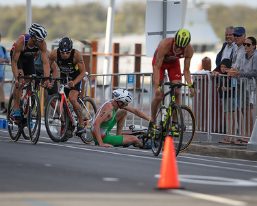 Crash - 2018 Gold Coast World Triathlon Men's WTS Grand Final, Sunday 16 September 2018; Queensland, Australia. Camera 2. Photos by Des Thureson - http://disci.smugmug.com.