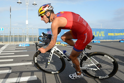 Mario Mola - Bike Leg - 2018 Gold Coast World Triathlon Men's WTS Grand Final, Sunday 16 September 2018; Queensland, Australia. Camera 1. Photos by Des Thureson - http://disci.smugmug.com.