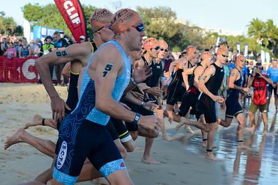 Jake Hynes, Max Neumann - 2018 Noosa Triathlon, Noosa Heads, Sunshine Coast, Queensland, Australia; 4 November. Camera 1. Photos by Des Thureson - disci.smugmug.com