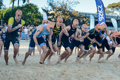 Go, Sam Douglas, Jake Hynes, Max Stapley, Jake Birtwhistle, David Pinto, Ryan Bailie, Aaron Royle, Ryan Fisher - 2018 Noosa Triathlon, Noosa Heads, Sunshine Coast, Queensland, Australia; 4 November. Camera 1. Photos by Des Thureson - disci.smugmug.com