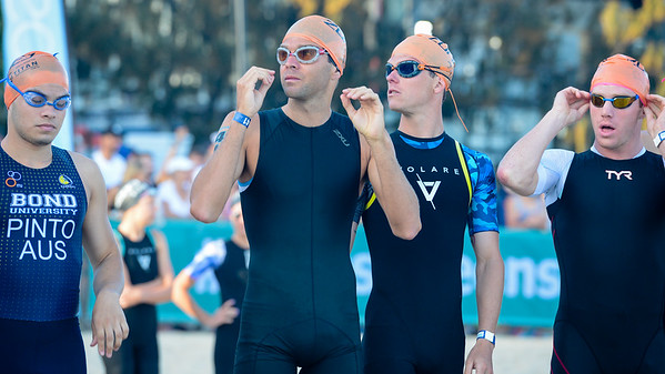Aaron Royle, Ryan Bailie - 2018 Noosa Triathlon, Noosa Heads, Sunshine Coast, Queensland, Australia; 4 November. Camera 1. Photos by Des Thureson - disci.smugmug.com