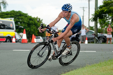 Scott Llewellyn? - 2011 Caloundra Enduro Triathlon for professional triathletes (men's event); Woorim Park, Golden Beach, Caloundra, Sunshine Coast, Queensland, Australia; 6 February 2011. Photos by Des Thureson.