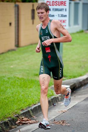Sam Betten - 2011 Caloundra Enduro Triathlon for professional triathletes (men's event); Woorim Park, Golden Beach, Caloundra, Sunshine Coast, Queensland, Australia; 6 February 2011. Photos by Des Thureson.