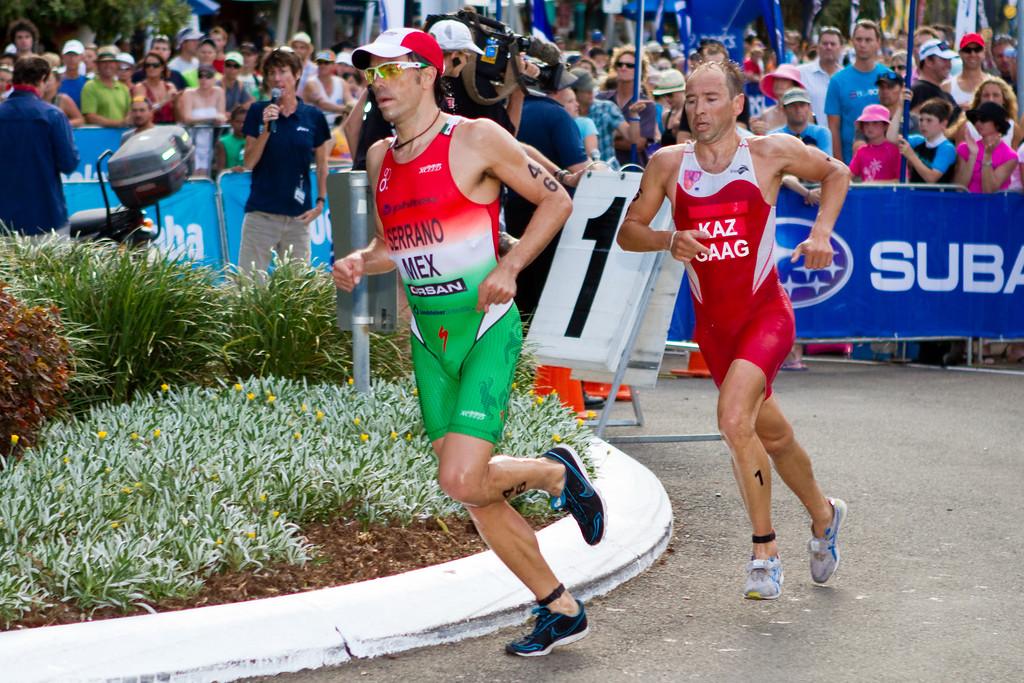 """Dmitriy Gaag, Francisco Serrano - 2011 Mooloolaba ITU World Cup Triathlon - Men. Mooloolaba Triathlon Festival, Saturday 26 March 2011, Sunshine Coast, Queensland, Australia. Photos by Des Thureson:  <a href=""""http://disci.smugmug.com"""">http://disci.smugmug.com</a>"""