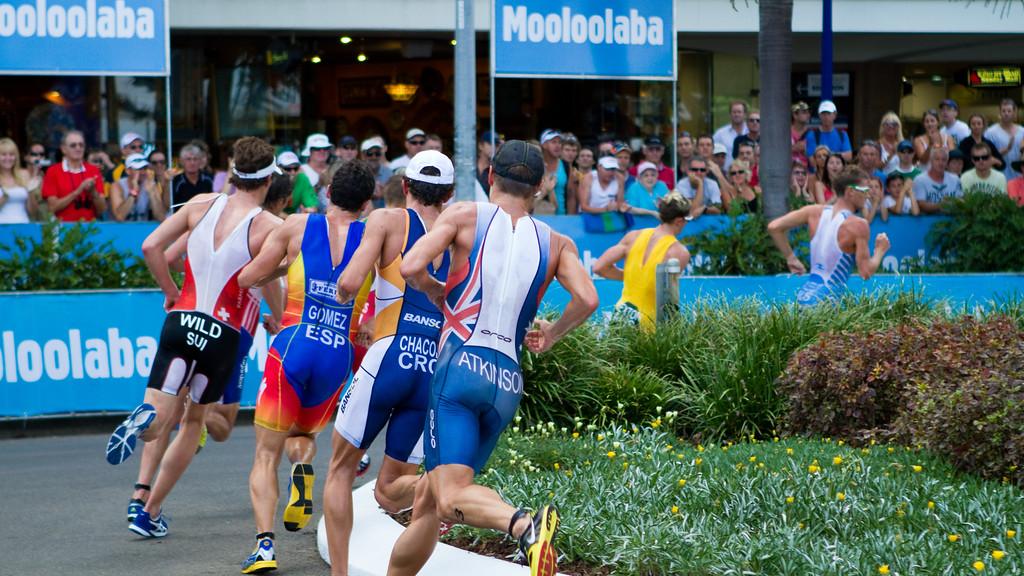 "Courtney Atkinson - 2011 Mooloolaba ITU World Cup Triathlon - Men. Mooloolaba Triathlon Festival, Saturday 26 March 2011, Sunshine Coast, Queensland, Australia. Photos by Des Thureson:  <a href=""http://disci.smugmug.com"">http://disci.smugmug.com</a>"