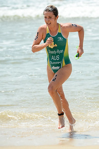 Felicity Sheedy Ryan - 2015 Mooloolaba ITU Triathlon World Cup Women - 2015 Mooloolaba Triathlon Multi Sport Festival, Sunshine Coast, Qld, AUS; Saturday 14 March 2015. Photos by Des Thureson - http://disci.smugmug.com. Camera 1.