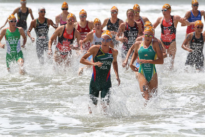 Anel Radford, Natalie Van Coevorden - 2015 Mooloolaba ITU Triathlon World Cup Women - 2015 Mooloolaba Triathlon Multi Sport Festival, Sunshine Coast, Qld, AUS; Saturday 14 March 2015. Photos by Des Thureson - http://disci.smugmug.com. Camera 2.