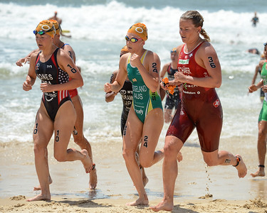 Erin Jones, Jaz Hedgeland, Celine Schaerer - 2015 Mooloolaba ITU Triathlon World Cup Women - 2015 Mooloolaba Triathlon Multi Sport Festival, Sunshine Coast, Qld, AUS; Saturday 14 March 2015. Photos by Des Thureson - http://disci.smugmug.com. Camera 1.