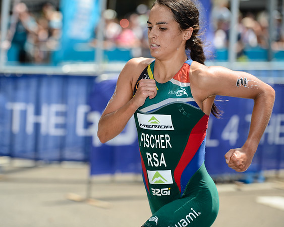 Carlyn Fischer - 2015 Mooloolaba ITU Triathlon World Cup Women - 2015 Mooloolaba Triathlon Multi Sport Festival, Sunshine Coast, Qld, AUS; Saturday 14 March 2015. Photos by Des Thureson - http://disci.smugmug.com. Camera 1.