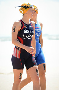 Oops - Sorry for the wrong camera settings at the start - a bright day but not that bright. :) - Tamara Gorman - 2015 Mooloolaba ITU Triathlon World Cup Women - 2015 Mooloolaba Triathlon Multi Sport Festival, Sunshine Coast, Qld, AUS; Saturday 14 March 2015. Photos by Des Thureson - http://disci.smugmug.com. Camera 1.