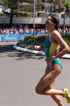 UN-Edited Images - 2014 Mooloolaba Women's ITU Triathlon World Cup