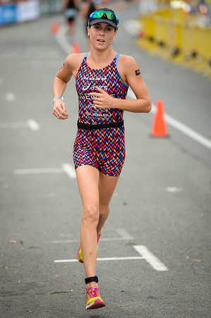 Ashleigh Gentle - Run Leg - 2014 Noosa Triathlon, Noosa Heads, Sunshine Coast, Queensland, Australia; 2 November. Camera 1. Photos by Des Thureson - disci.smugmug.com