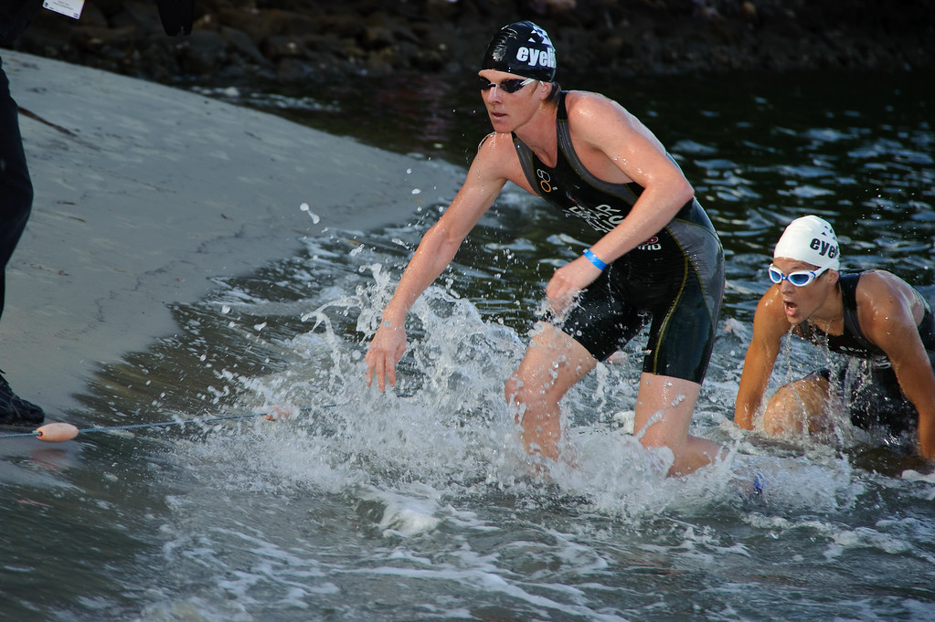 Jimmy Seear - Pre-start, Swim Leg & 1st Transition - Noosa Triathlon, Sunshine Coast, Queensland, Australia; 31 October 2010