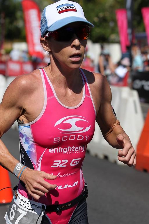 Liz Blatchford - Run Leg - 2013 Noosa Triathlon, Noosa Heads, Sunshine Coast, Queensland, Australia; 3 November. Camera 2. Photos by Des Thureson - disci.smugmug.com