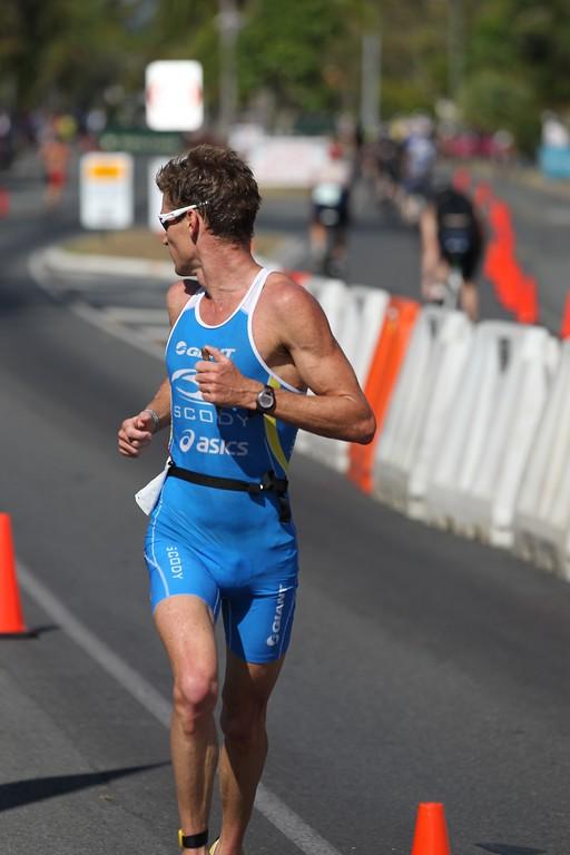 Brad Kahlefeldt - Run Leg - 2013 Noosa Triathlon, Noosa Heads, Sunshine Coast, Queensland, Australia; 3 November. Camera 2. Photos by Des Thureson - disci.smugmug.com