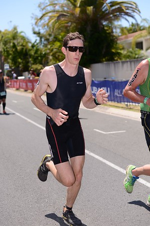 Run Leg - 2013 Noosa Triathlon, Noosa Heads, Sunshine Coast, Queensland, Australia; 3 November. Camera 1. Photos by Des Thureson - disci.smugmug.com