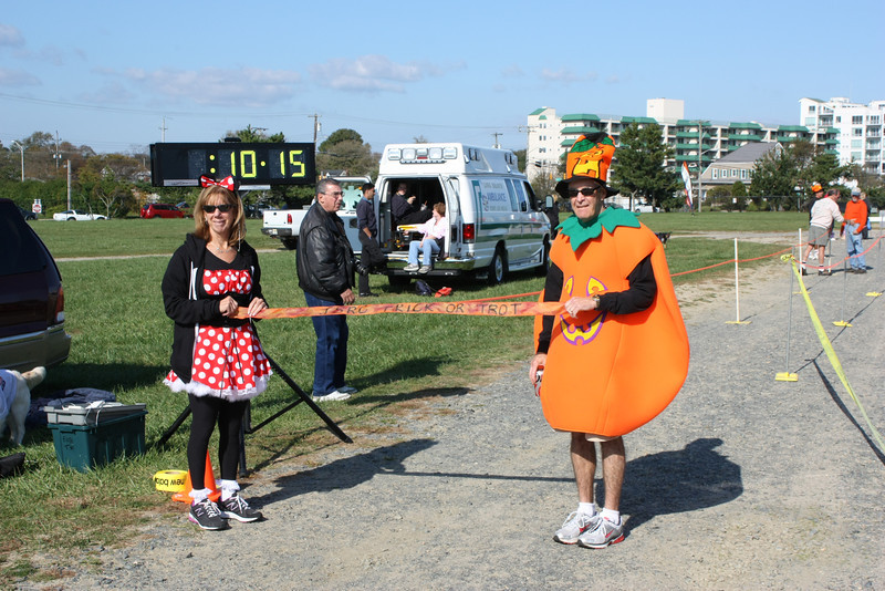 Trick or Trot 2011 Finish 001