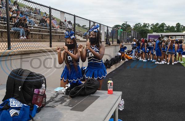 Tyler High School cheerleaders