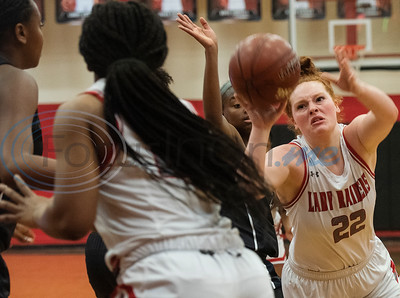 Tyler Lee's Hanna Haynes (22) passes the ball as the Red Raiders play Wylie East in a basketball game at home on Tuesday, Dec. 31, 2019.  (Sarah A. Miller/Tyler Morning Telegraph)