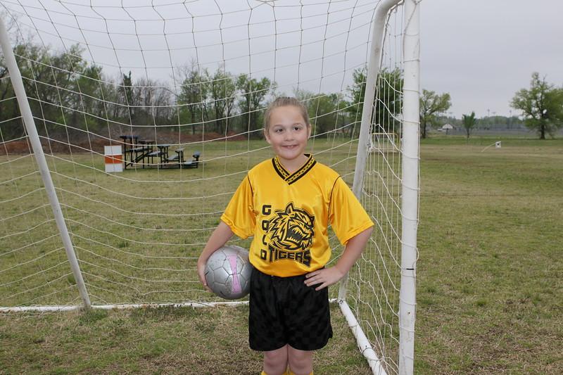 soccer u 10 gold tigers so-09 004