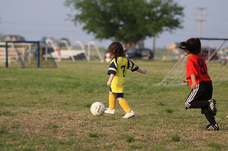 soccer u 6 ladybugs team-game s09 036