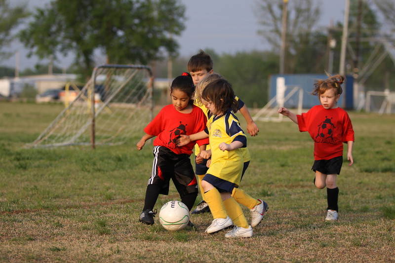 soccer u 6 ladybugs team-game s09 043