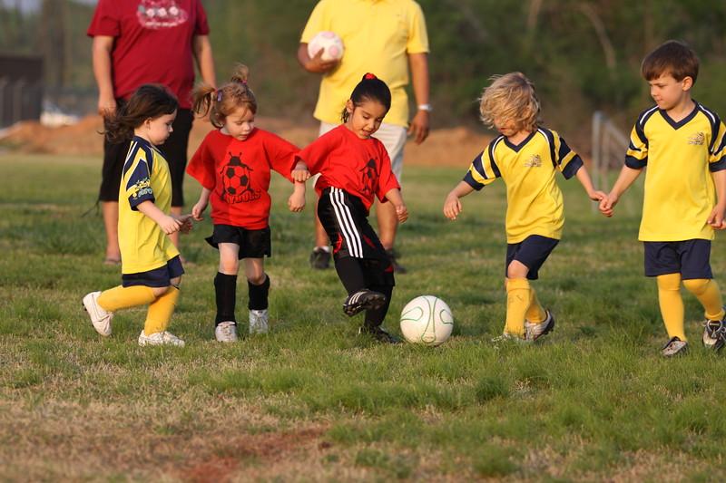 soccer u 6 ladybugs team-game s09 033