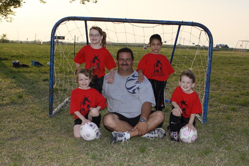 soccer u 6 ladybugs team-game s09 015