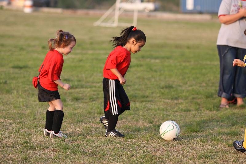 soccer u 6 ladybugs team-game s09 019