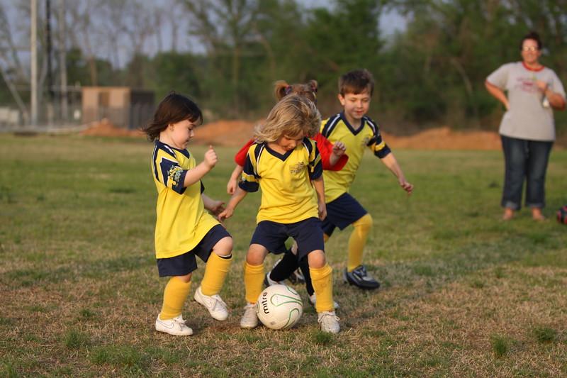 soccer u 6 ladybugs team-game s09 045