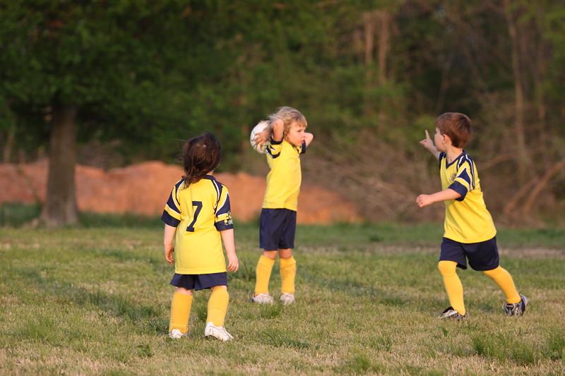 soccer u 6 ladybugs team-game s09 025