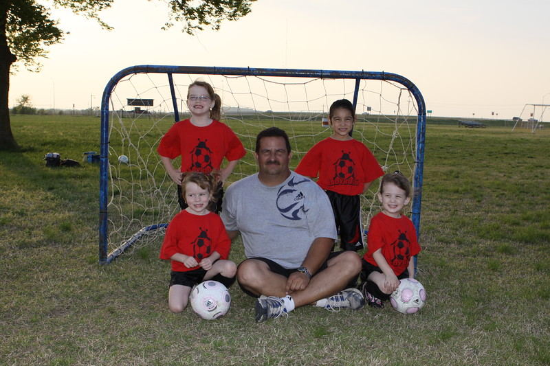 soccer u 6 ladybugs team-game s09 013