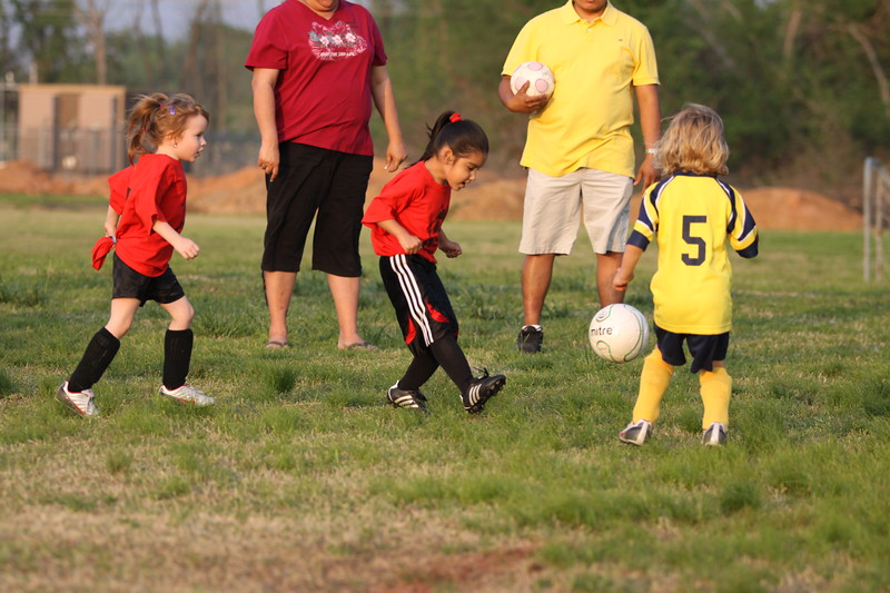 soccer u 6 ladybugs team-game s09 032