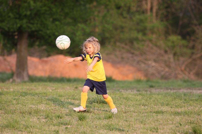 soccer u 6 ladybugs team-game s09 026