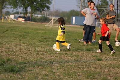 soccer u 6 ladybugs team-game s09 035