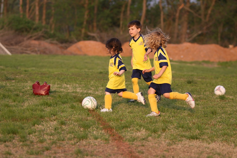 soccer u 6 ladybugs team-game s09 027