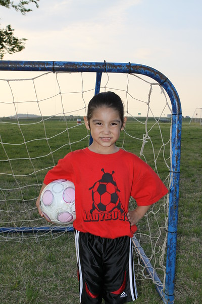 soccer u 6 ladybugs team-game s09 009