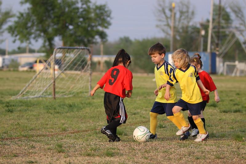 soccer u 6 ladybugs team-game s09 041