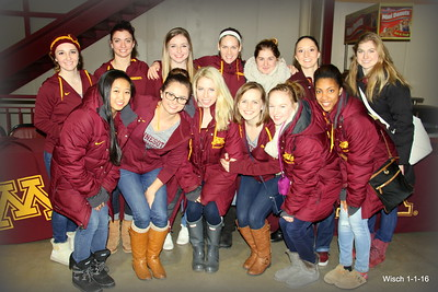 U of MN Women Gymnastics Team