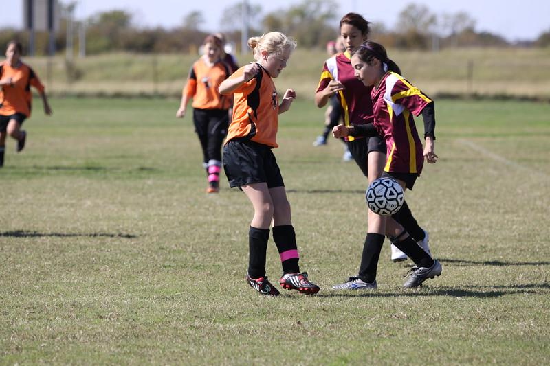 soccer u 14 tigers gm 6 f-09 014