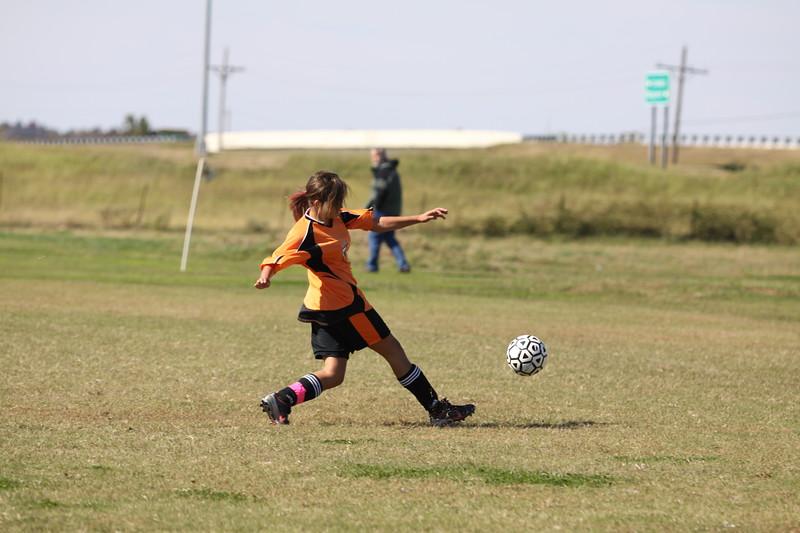 soccer u 14 tigers gm 6 f-09 026