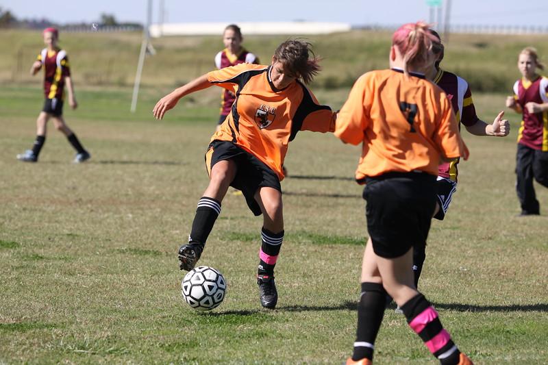 soccer u 14 tigers gm 6 f-09 021