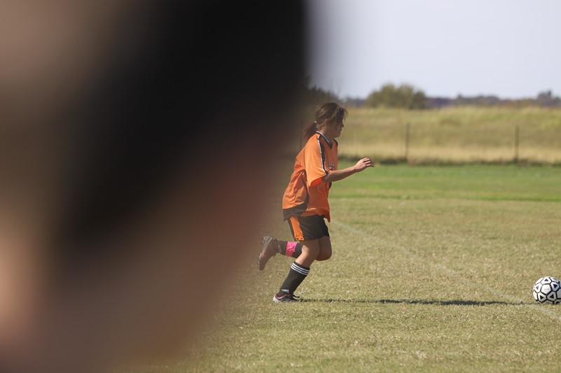 soccer u 14 tigers gm 6 f-09 025