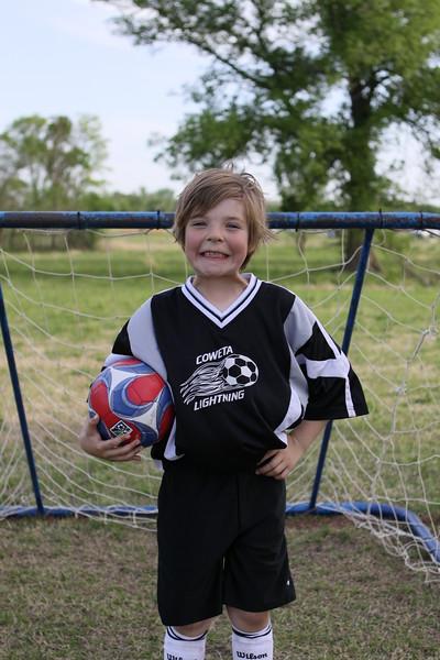 soccer u 8 lightning s09 010