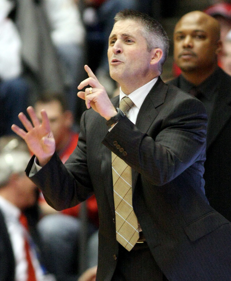 E.L. Hubbard for the DDN<br /> Dayton Head Coach Brian Gregory exhorts his team against Xavier in the final minutes at UD Arena Wednesday, February 11, 2009.