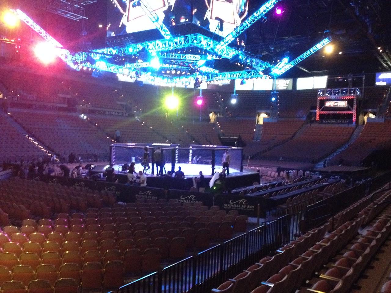 UFC San Antonio - calm before the storm - photo by. S., Tecci