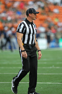Sun's out, guns out is this referee's motto at Aloha Stadium on August 24, 2019, in Honolulu, Hawaii.