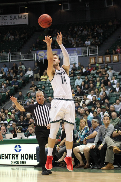 Zigmars Raimo connects on a second-half three against UCSB at the Stan Sheriff Center, Honolulu, Hawaii on January 18, 2020. Raimo went 1-2 from deep and scored 10 for the Rainbow Warriors.