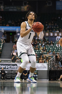 Drew Buggs bends his knees at the line at the Stan Sheriff Center, Honolulu, Hawaii on January 18, 2020.