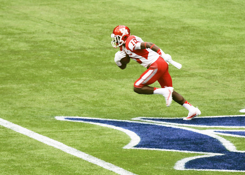 Ayers receives the kickoff for UH and runs it out of the end zone.